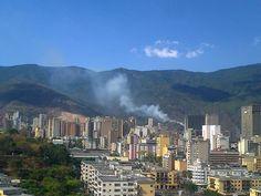 Se incendia el cerro... Viernes, 29 de marzo de 2013, 3:27 pm, Caracas, Venezuela