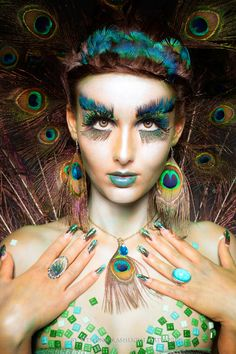 Peacock inspired dramatic eye makeup ideas If you want to try a different eye makeup look, maybe you can skip your usual smoky eye makeup, and . Peacock Eye Makeup, Bird Makeup, Dramatic Eye Makeup, Dramatic Eyes, Cute Makeup, Makeup Art, Makeup Guide, Makeup Ideas, Makeup Themes