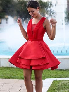 Red Short Cocktail Dress with Open Back,Simple Homecoming Dresses Spring Formal Dresses, Formal Dresses Online, Dresses For Teens, Short Dresses, Vintage Homecoming Dresses, Pretty Prom Dresses, Graduation Dresses, Stunning Dresses, Short Sexy