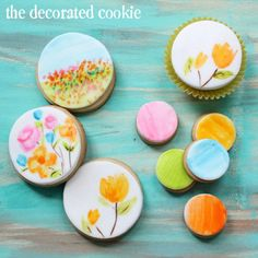 Pretty! Watercolour painting on cookies - thedecoratedcookie.com