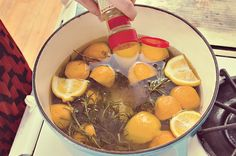 DIY Home smell: lemons, rosemary, cinnamon: boil in watter; leave at low heat for hours...