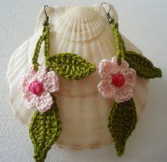 #pendientes de flores de DIDIcrochet realizados en #crochet.  .   http://DIDIcrochet.dawanda.com