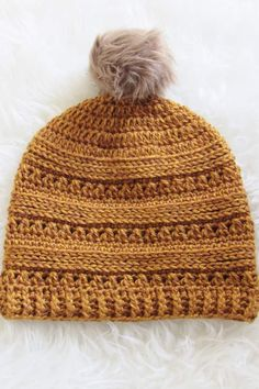 This FREE crochet beanie hat pattern includes sizes Baby, Toddler, Kids , and Woman. You can use this pattern to make a slouchy hat for every girl in your family. The step by step tutorial is detailed enough for advanced beginners. Kids Crochet Hats Free Pattern, Crochet Adult Hat, Crochet Kids Hats, Crochet Cap, Loom Knitting Patterns, All Free Crochet, Crochet Patterns Amigurumi, Knitting Tutorials, Crochet Granny