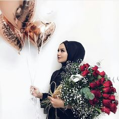 You can find different rumors about the real history of the wedding dress; tesettür First Narration; Muslim Wedding Dresses, White Wedding Dresses, Simple Hijab, Marriage Dress, Islamic Girl, Girl Hijab, Hijab Chic, Muslim Girls, Beautiful Hijab