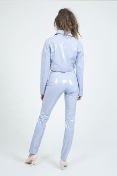 Traditional trucker jacket in pale blue PVC. Patent Trench Coats, Leather Overalls, Ballet Wear, Vinyl Clothing, Long Leather Coat, Country Wear, Plastic Pants, Rain Wear, Blue Pants