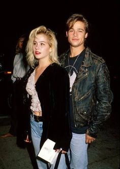 Christina Applegate and Brad Pitt, 1989 Christina Aguilera, Christina Applegate, Mtv Movie Awards, Jessica Jung, Jennifer Aniston, Mariah Carey, Lea Michele, Celebrity Couples, Celebrity Photos