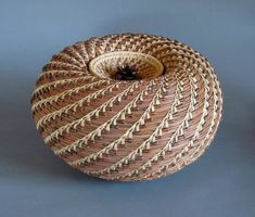 Home | Carolyn Zeitler Pine Needle Baskets