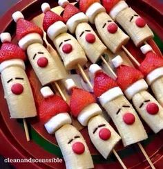 christmas food 10 Healthy Christmas Snacks that are perfect for your childs school party, or any festive occasion this holiday season. No sugar in these healthy Christmas snacks your little ones will love. Best Christmas Recipes, Christmas Party Food, Christmas Brunch, Xmas Food, Christmas Breakfast, Christmas Appetizers, Christmas Cooking, Holiday Recipes, Christmas Eve