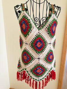 Top Folk Crochet Granny, Crochet Stitches, Crochet Top, Crochet Clothes, Fasion, Irene, Crochet Projects, Bikini Tops, Crocheting