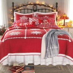 Christmas Holiday Bedding Sets in Christmas Comforters and Christmas Quilts. Cozy up this Christmas Season in one of these wonderful Christmas...