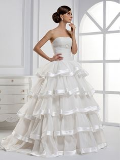 New arrival Strapless organza with multilayer bridal gown