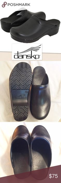 Dansko Sonja Professional Oiled Leather Clogs  39 This lovely shoe carries the seal of approval from the American podiatric medical Association! Nice. This particular pair appears unworn save for a teeny bit of stuff in the tread. Tried on? Worn once inside? Size 39 Dansko Shoes Mules & Clogs