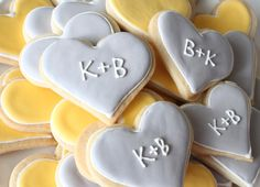 In addition to your wedding cake, these cute tasty treats would be a delicious addition to any dessert table.