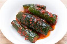 Kimchi, Asparagus, Chili, Food And Drink, Vegetables, Vegan Ideas, Ethnic Recipes, Blue
