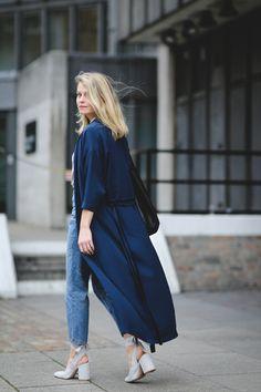 ELLE's Fashion Assistant Roberta Hollis London Fashion Week FW 2017 | Sup3rb