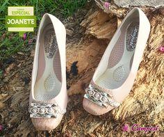 Você conhece a linha Especial Joanete? A Campesí desenvolveu uma linha específica de calçados com acabamento e modelagem planejada para pés com diferenciações nesta região. É um conforto só!