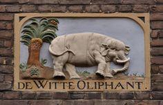 "WWW.HERMANSOUER.NL .. Gevelsteen ""DE WITTE OLIPHANT"" Nieuwe Batavierstraat, Amsterdam"