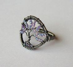 Ampelos by Louise Goodchild, via Flickr -- wow, love her wirework