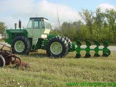 Oliver Gang Photo Gallery :: Oliver Gang Fun and Plow Day 2002 ...