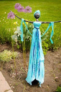 Tall Lady - Paverpol Garden Sculpture