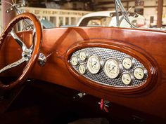 Time and Tide, a story about Van Dam Custom Boats on The Distance Cool Boats, Small Boats, Course Vintage, Classic Wooden Boats, Classic Boat, Classic Cars, Wooden Speed Boats, Chris Craft Boats, Big Girl Toys