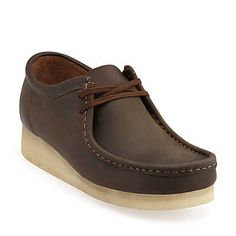 Wallabee-Men in Beeswax Leather - Mens Shoes from Clarks Boat Shoes, Men's Shoes, Bright Shoes, Clarks Originals, Fall Shoes, Sneaker Boots, Casual Shoes, Casual Attire, Casual Wear