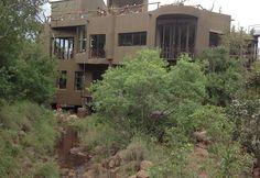 Leopards Rock Bush Boutique Lodge Leopards, Cabin, Boutique, Rock, House Styles, Home Decor, Africa, Decoration Home, Room Decor