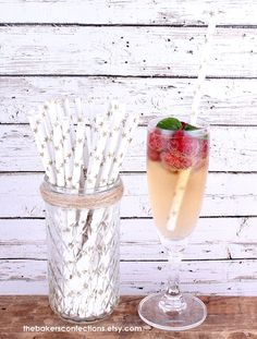 Gold Shimmer Star Paper Straws - Includes Printable DIY Flag Toppers & Pixie Stix Recipe (30 count), $5 Vintage Birthday Cakes, Pink Birthday, Moon Party, Recipe 30, Star Party, Pink Parties, Paper Straws, Cake Pops, Moonlight