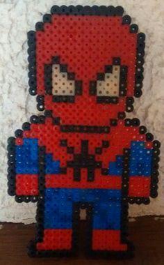 Spiderman cadeau pour l'anniversaire d'un ami - perles à repasser - Avril 2014