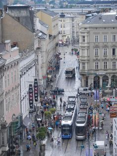 city of Linz, Austria foto: Satrina Wilske Best Outdoor Lighting, Visit Austria, Design Your Dream House, Second World, Salzburg, European Travel, Background Images, Beautiful Places, Things To Come