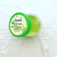 Momento dello scrub settimanale, oggi utilizzo questo peeling corpo di @dm_balea a base di sale marino al profumo di lemongrass e arricchito da oli di oliva, jojoba, girasole più caffeina. 🤗 . . #balea #dm #peeling #ölpeeling #scrub #esfoliazione #curadelcorpo #instabeauty #instamood #summer #potd #blogger