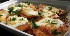 Zapekané kuracie prsia so syrom a smotanou - Receptik.sk Low Carb Lasagna, Zucchini Puffer, Baked Chicken Breast, Relleno, Sour Cream, Tofu, Oven, Cheese, Meat