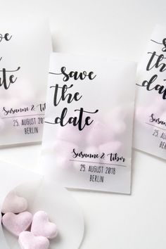 The post Statt Karte: Coole Idee. appeared first on Hochzeit ideen. Wedding Trends, Trendy Wedding, Diy Wedding, Wedding Gifts, Wedding Card Design, Wedding Designs, Wedding Details, Wedding Paper, Wedding Cards