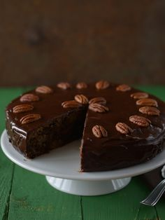 Pecan-pear-chocolate cake