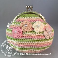 Bianca's Birthday *Card Purse – Made by Nina Crochet Wallet, Crochet Coin Purse, Crochet Tote, Crochet Purses, Love Crochet, Coin Purse Pattern, Purse Patterns, Handmade Notebook, Crafts