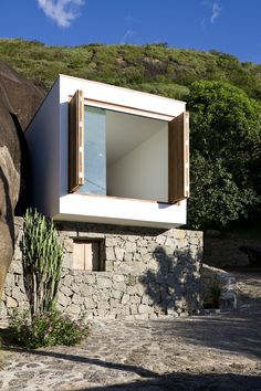 We already got Modern Tiny House on Small Budget and will make you swon. This Collections of Modern Tiny House Design is designed for Maximum impact. Architecture Cool, Container Architecture, Residential Architecture, Contemporary Architecture, Installation Architecture, Parisian Architecture, Modern Small House Design, Tiny House Design, Modern Design