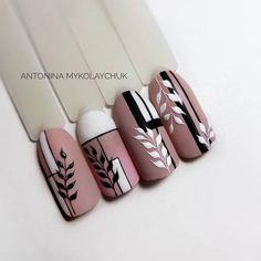 the most amazing nail design 16 Rose Nails, Flower Nails, Nail Drawing, Geometric Nail, Nail Art Videos, Stylish Nails, Nail Art Hacks, Fabulous Nails, Nail Manicure