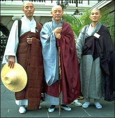 Buddhist Monk Clothing | Japanese Buddhist monks in robes