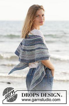 Ravelry: 211-22 Seascape Wrap pattern by DROPS design Shawl Patterns, Knitting Patterns Free, Free Knitting, Crochet Patterns, Knitting Tutorials, Sweater Patterns, Sock Knitting, Knitting Machine, Vintage Knitting