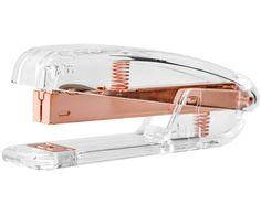 Entdecken Sie Hefter Bella aus transparentem Kunststoff mit Kupferdetails jetzt bei >> WestwingNow. Lassen Sie sich von weiteren Accessoires…