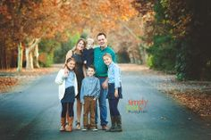 Family photography  Simply You. Photography by Nicole Madsen