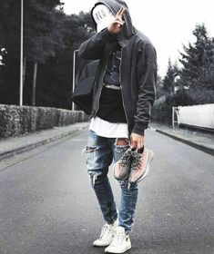 Best and Unique Mens Streetwear Ideas. For quite a while, streetwear and luxury proved mutually exclusive. Streetwear has revolutionized the area of fashion, and it has come to be a lifestyle. Urban Outfits, Mode Outfits, Casual Outfits, Fashion Outfits, Fashion Ideas, Hijab Fashion, Sneakers Fashion, Gucci Sneakers, Black Outfits