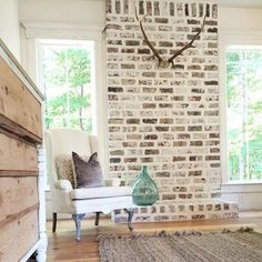 Take the latest images of brick fireplace makeover on this website. brick fireplace makeover images are posted by our team on July 2018 . Plywood Furniture, Design Furniture, Dresser Furniture, Fireplace Redo, Fireplace Remodel, Fireplace Ideas, Fireplace Brick, Fireplace Makeovers, Fireplace Whitewash