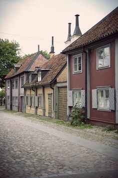 """And here at Master Mikael street lived the executioner Mikael Reissuer in . This Old House, Kingdom Of Sweden, Sweden House, Small Buildings, Stockholm Sweden, Old Pictures, Old Houses, The Good Place, Architecture Design"