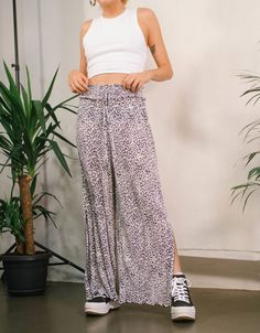 Pleated culottes - New - Bershka United Kingdom Fashion News, Latest Fashion, United Kingdom, Parachute Pants, Harem Pants, Women, Romania, Harem Trousers
