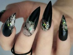 Duck Nails: Two Popular Definitions To Distinguish Between Fearless Combinations With Black Stiletto Nails Black Stiletto Nails, Black Stilettos, Black Nail, Acrylic Nail Shapes, Cute Acrylic Nails, Perfect Nails, Gorgeous Nails, Duck Nails, Witch Nails