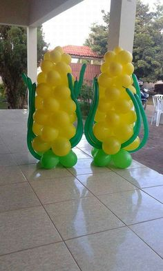 Can you name the car? School Decorations, Balloon Decorations, Birthday Decorations, Birthday Party Themes, Farm Animal Birthday, Farm Birthday, Woody Party, Balloon Template, Balloons Galore