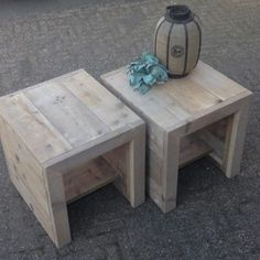 Stay Home. Small Tables, End Tables, Garden Furniture, Diy Furniture, Garden Side Table, Homemaking, Garden Inspiration, Woodworking Projects, Diy And Crafts