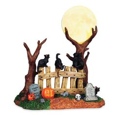 Lemax Spooky Town: Happy Howl-o-Ween Samhain Halloween, Halloween Village, Halloween House, Halloween Cat, Holidays Halloween, Halloween Decorations, Halloween Costumes, Fall Pumpkin Crafts, Ghost And Ghouls