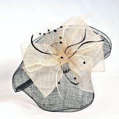 tocado de fiesta negro con lazo ornamental en beig  #millinery #judithm #hats